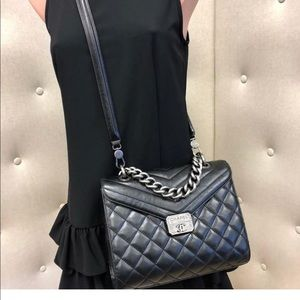 ♦️sola♦️Chanel Mad About Quilted Black Leather Han